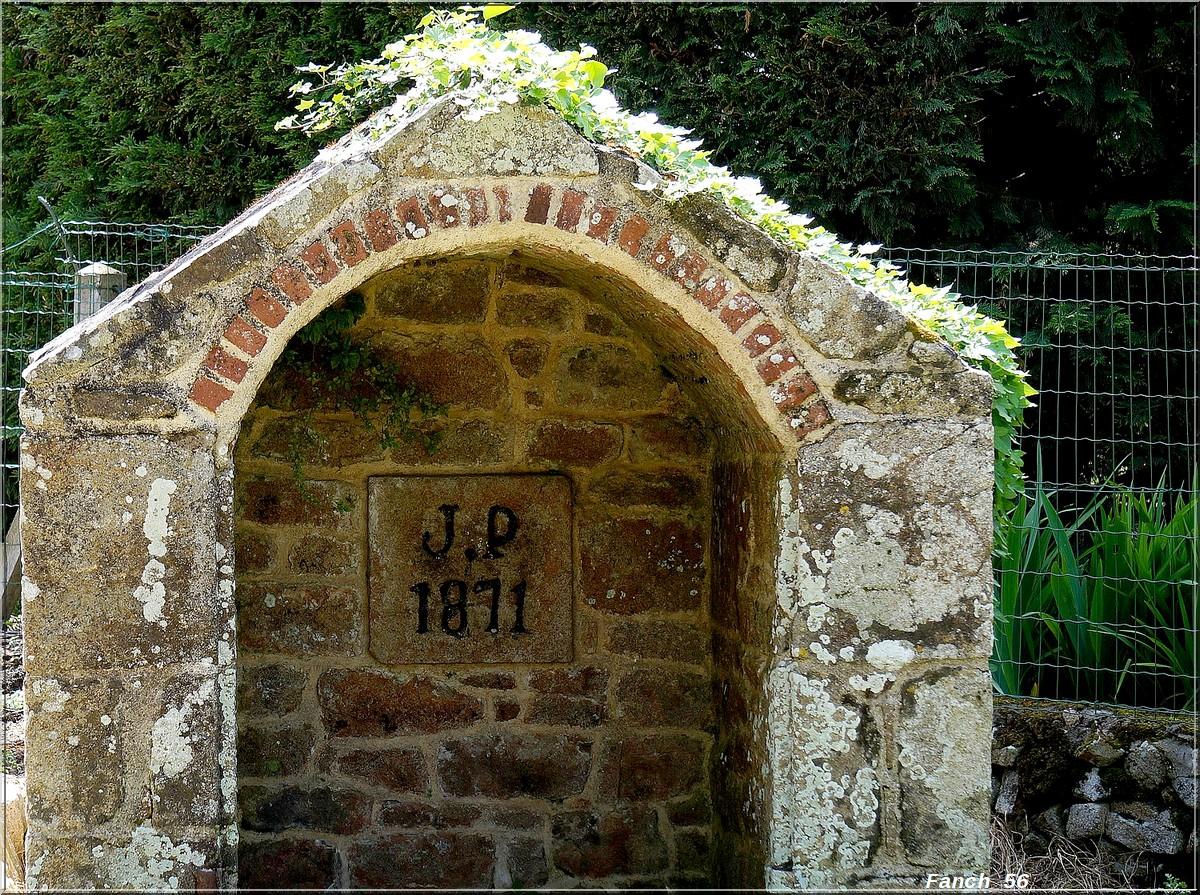 Fil ouvert-  Dates sur façades. Année 1602 par Fanch 56, dépassée par 1399 - 1400 de Jocelyn - Page 2 875625dateplouhinec
