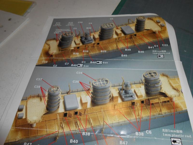 Kaga/Tenryu 1932 1/700 PE/Ponts en bois+Babioles - Page 3 877331DSCN7146