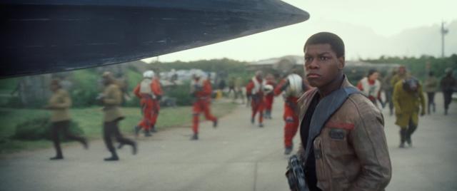 [Lucasfilm] Star Wars : Le Réveil de la Force (2015) - Page 4 879248w38
