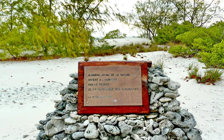 [Campagne] Iles éparses du canal du Mozambique - Page 14 880368Aldabra13
