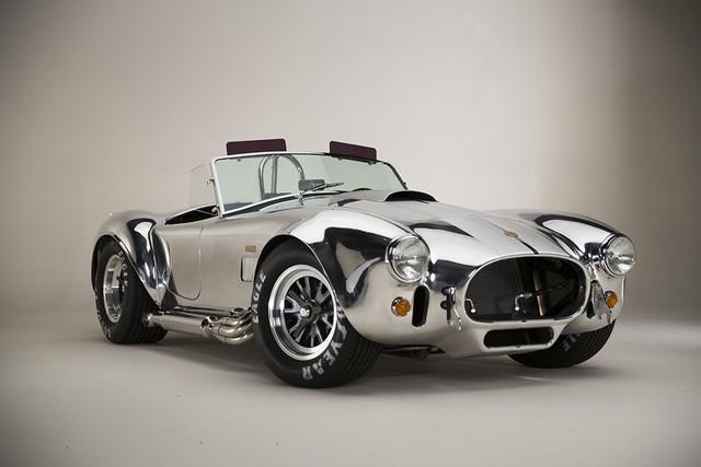 Shelby Cobra 427 : Édition spéciale pour le 50ème anniversaire 881109ShelbyCobra427