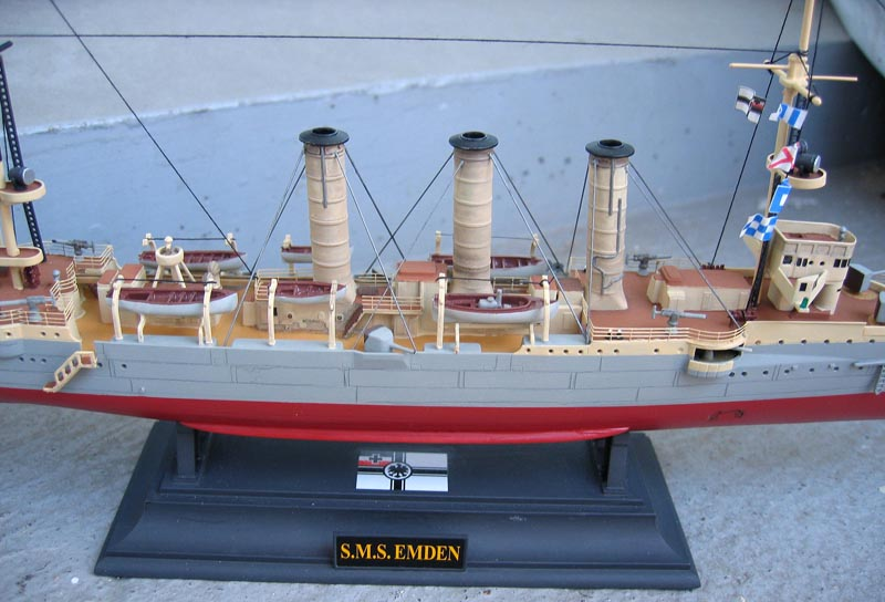 [Revell] Croiseur SMS Emden - 1/350. 881234Emden23