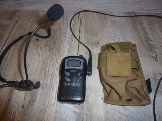 P90 KA, M4 gb Systema, lance-grenade post Apo, radio/casque 881320radio1