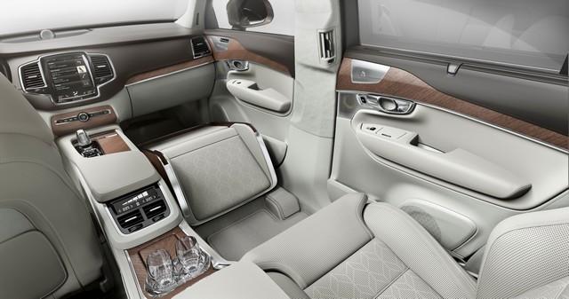 Volvo Cars a dévoilé Sa Nouvelle Lounge Console à Shanghai 884813161574VolvoXC90ExcellenceLoungeConsole