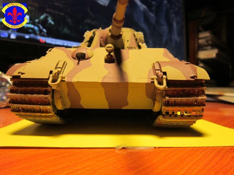 Sd.Kfz.182 King Tiger à tourelle Henschel de Dragon au 1/35e par pascal 94 887068IMG1258L