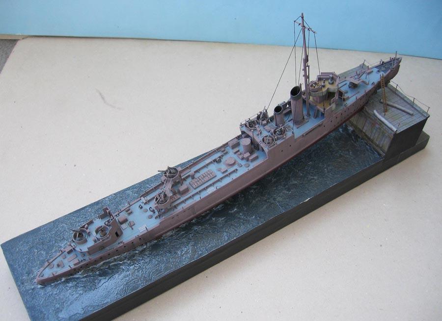 [Revell] Destroyer HMS Campbeltown - 1/240. 892723Campbel47