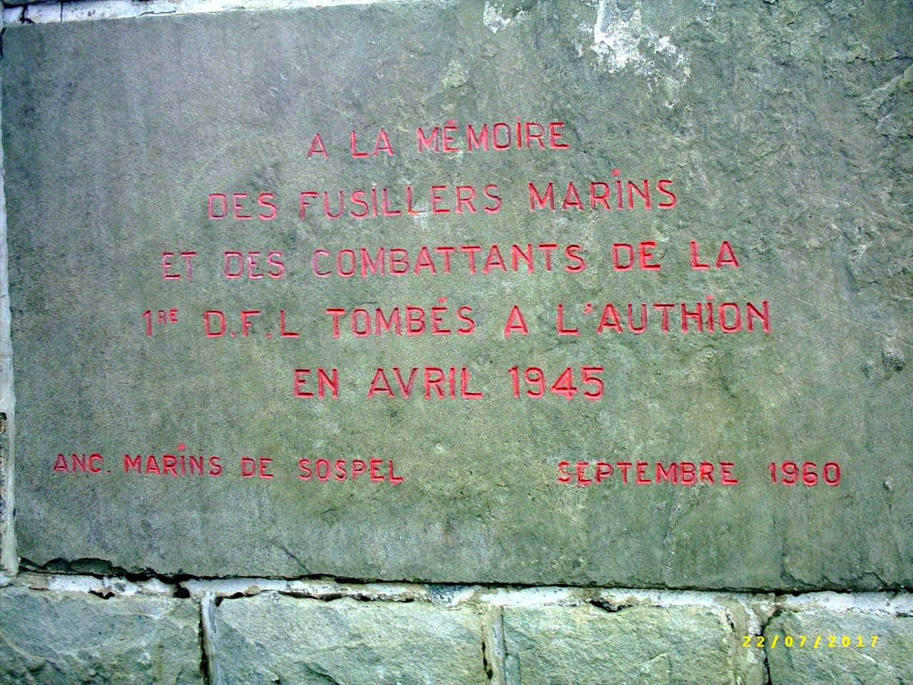 [Histoires et Histoire] Monuments aux morts originaux Français Tome 1 - Page 39 892741PIC0015