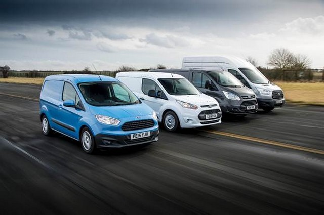 Le Ford Transit fête ses 50 ans ! 893171fordtransit