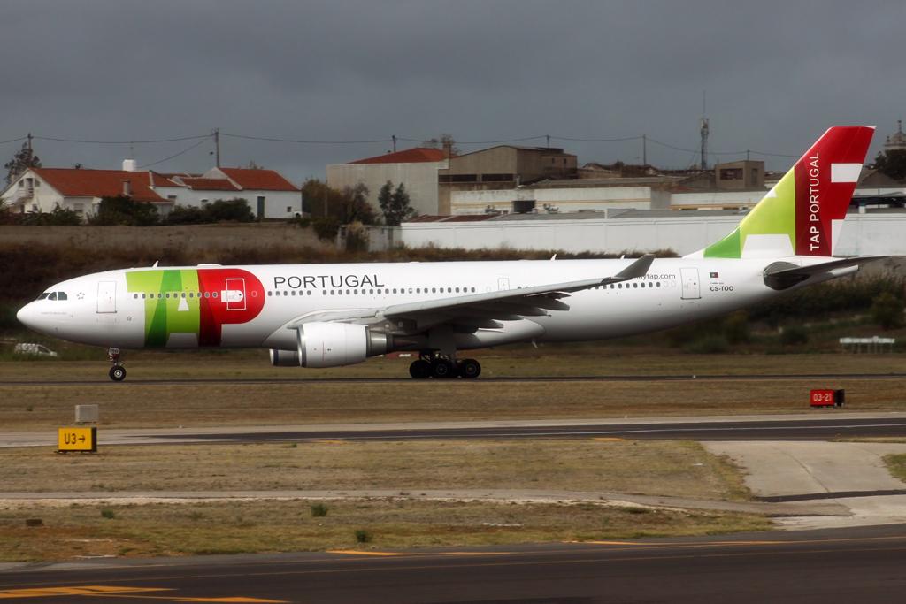 Lisbon Portela by DHL1992 893426IMG2062Copie