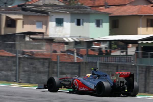 F1 GP du Brésil 2012 : (essais libres-1-2-3-Qualifications) 8954722012GPduBresilLewisHamilton1