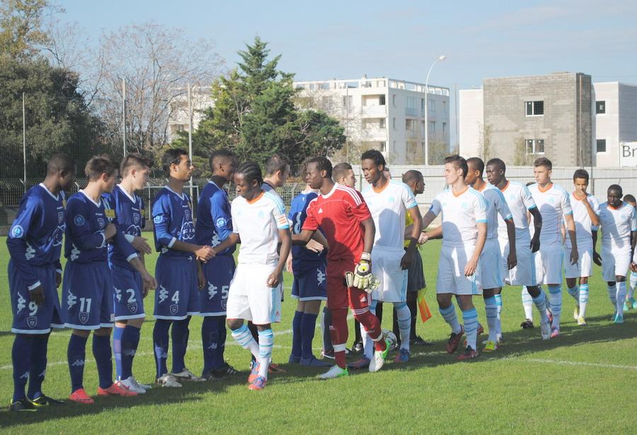OLYMPIQUE DE MARSEILLE  :LE 11 NOVEMBRE 2012  LES U19 NATIONAUX OM ET LA  RESERVE OM .. UNE JOURNEE CORSE BIEN REUSSIE !!! - Page 2 897818DSC0124