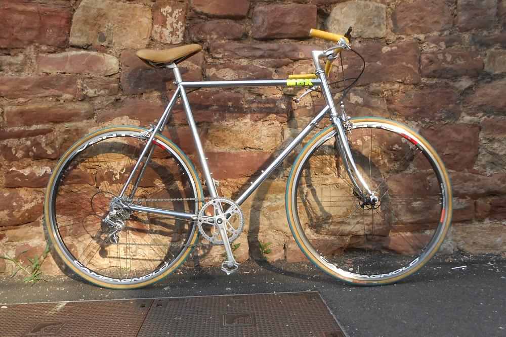 Un machin chromé... topbike? 897822DSCN97331
