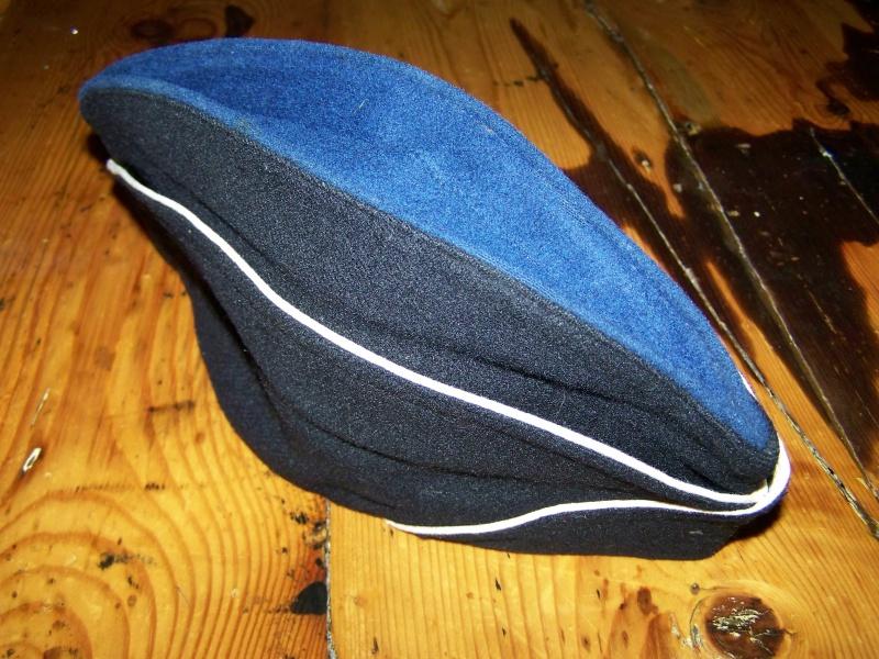 Les bonnets de police 8979531009028