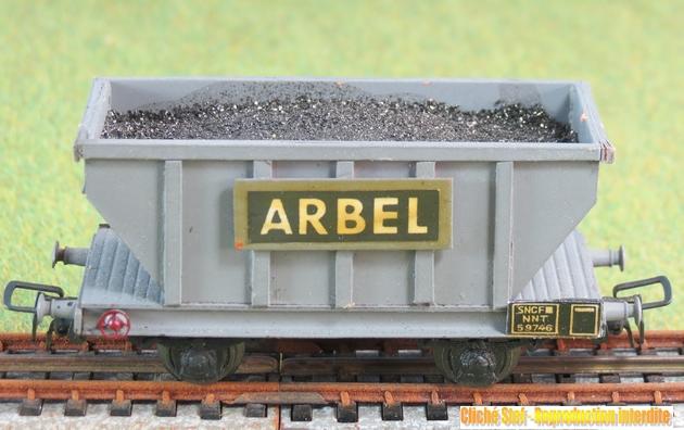 Autres wagons à 2 essieux maquette : fourgons, trémies... 898035VBtrmieessArbelchargeIMG3566R