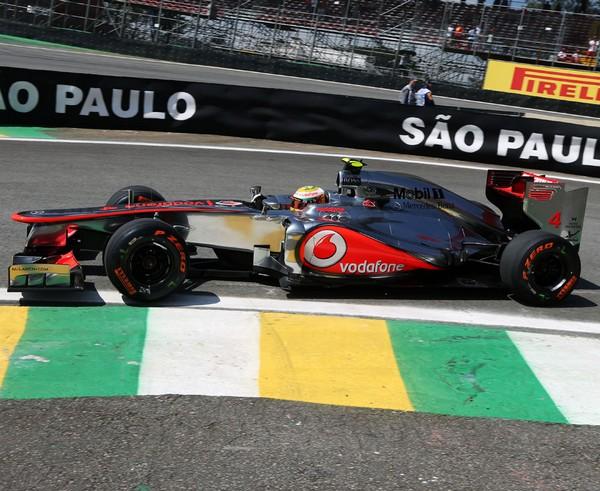 F1 GP du Brésil 2012 : (essais libres-1-2-3-Qualifications) 9018102012GPduBresilLewisHamilton