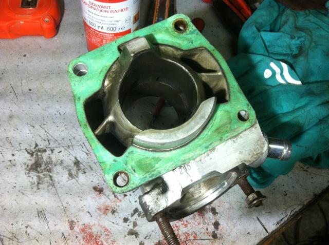 Clapet  valve qui a taper sur la sortie echappement 901913IMG6846