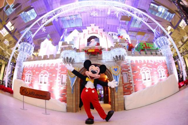 (Singapour) Disney's Winter Wonderland at Changi Airport Singapore (du 14 novembre 2014 au 5 janvier 2015) 908906ca1