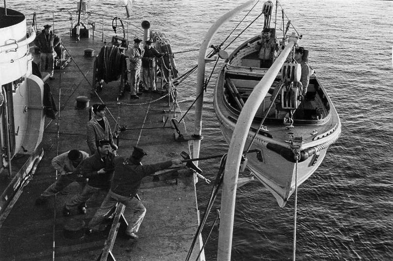 Patrouilleur PAON état 1942 au 1/100  - Page 10 909213marinenationale1963