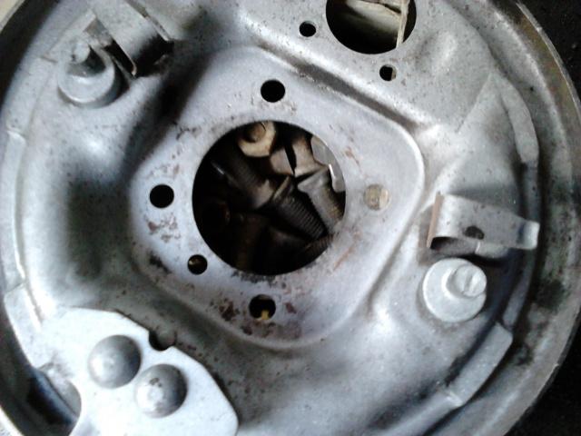 question technique frein a tambour 911005DSC0048
