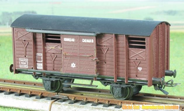 Wagons couverts 2 essieux maquette 913139VBcouvert2essbriqueIMG3245