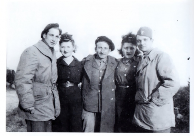 Grand-père espagnol dans le Bataillon - Page 3 914243Choc4