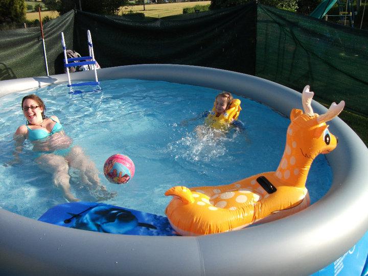 piscine à Johnny - Steli - cassandra 914967PISCINE7