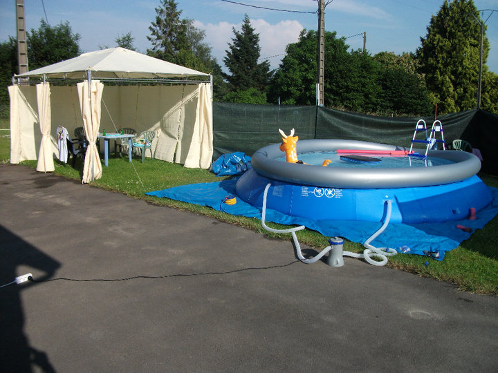 piscine à Johnny - Steli - cassandra 915749PISCINE