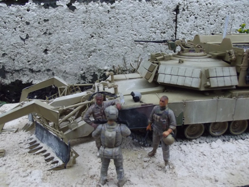 Abrams M1 ABV 1/35 RMF - Page 3 916981DSCF8690
