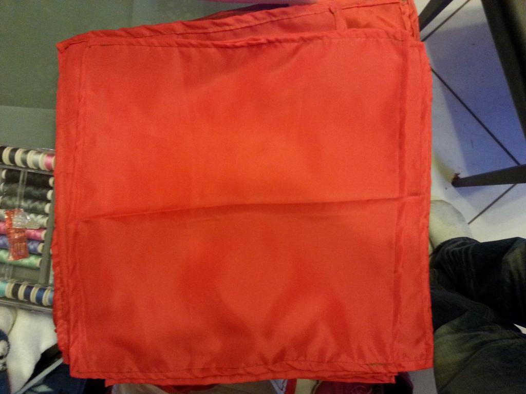 foulard rouge 92055620170207180021
