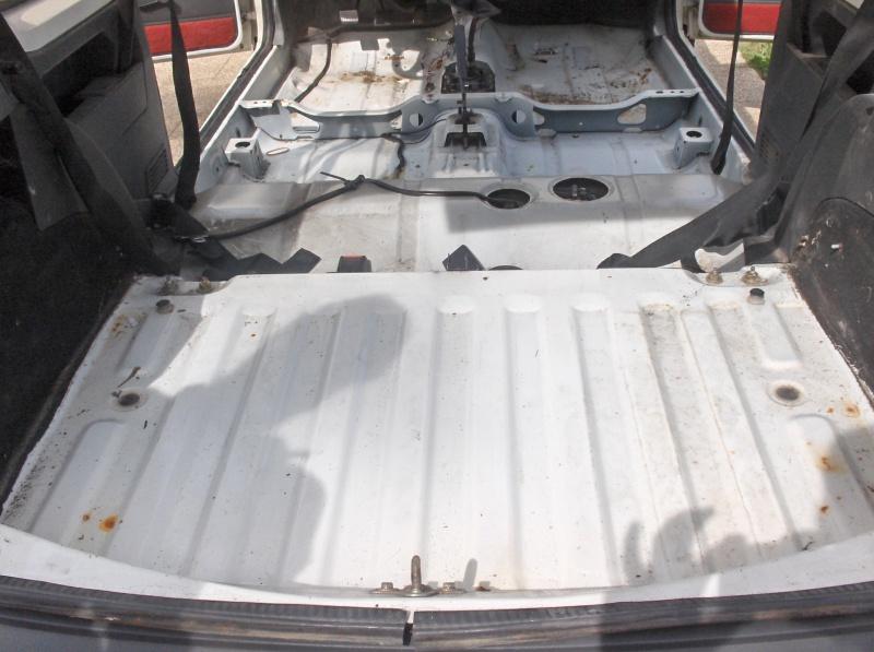 Replique 205 GTI Gr N de Jean Sébastien Couloumies 923246HPIM5201