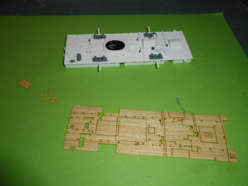 Hikawa Maru hopital 1/350 PE/pont en bois et babioles  - Page 3 923700DSCN5655