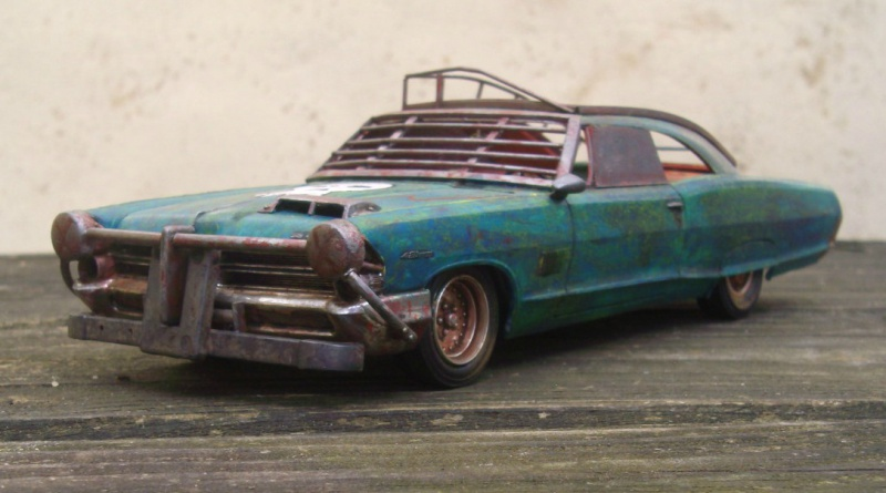 "Pontiac façon ""Mad Max"" 1/24 avec base/décor  924134GEDC5124"