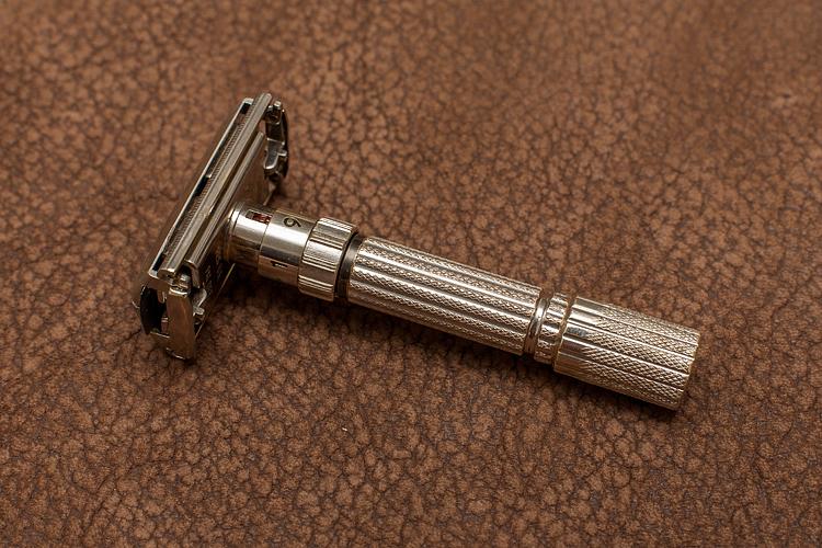 Restauration Gillette FatBoy (Enfin...) 924640IMG3618