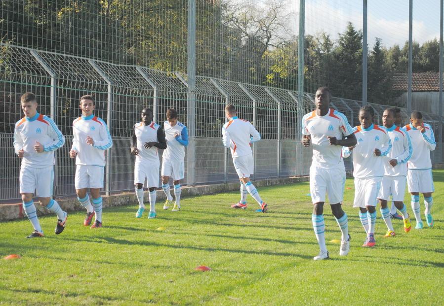 OLYMPIQUE DE MARSEILLE  :LE 11 NOVEMBRE 2012  LES U19 NATIONAUX OM ET LA  RESERVE OM .. UNE JOURNEE CORSE BIEN REUSSIE !!! - Page 2 925191DSC0092