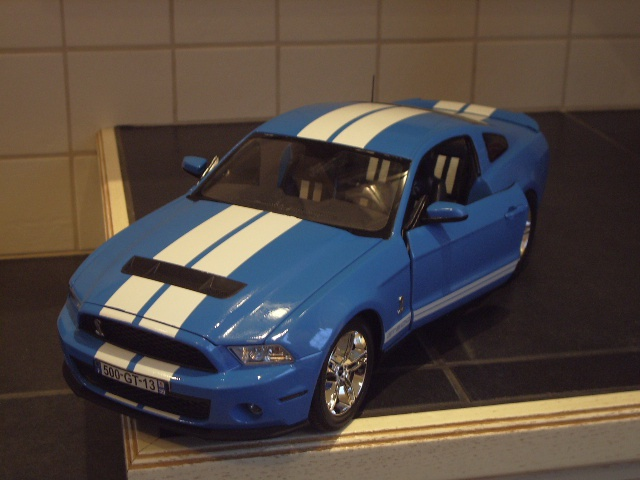 Ford Mustang SHELBY GT 500  2010 de chez revell au 1/12 - Page 2 925595m182