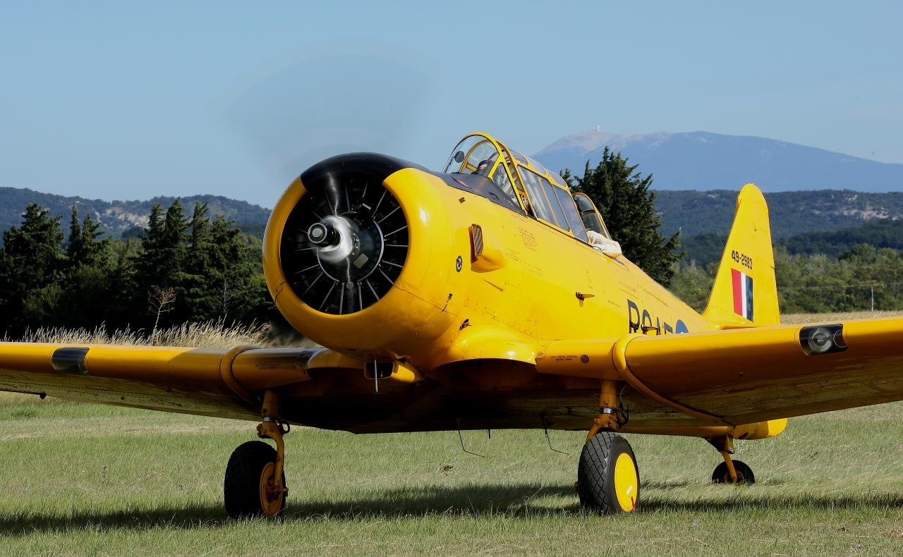 Aérodrome de Pierrelatte 26700. 928137T6Ventoux0334