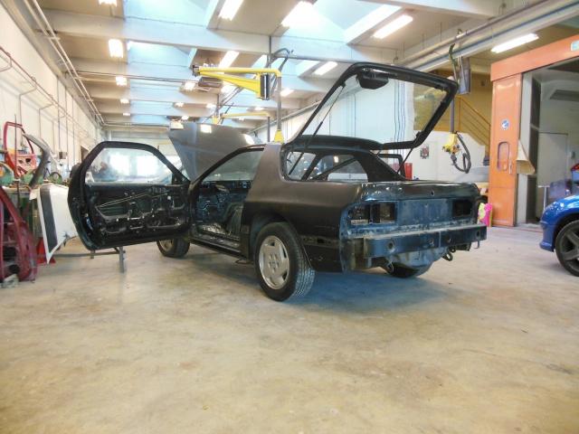 Mazda RX7 FC3S (restauration et preparation street) - Page 3 929688621