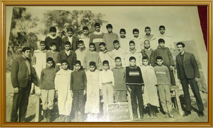 مدرسة الزواقين : صور قديمة لأطر التدريس  والتلاميذ في  الستينيات  933125zou15
