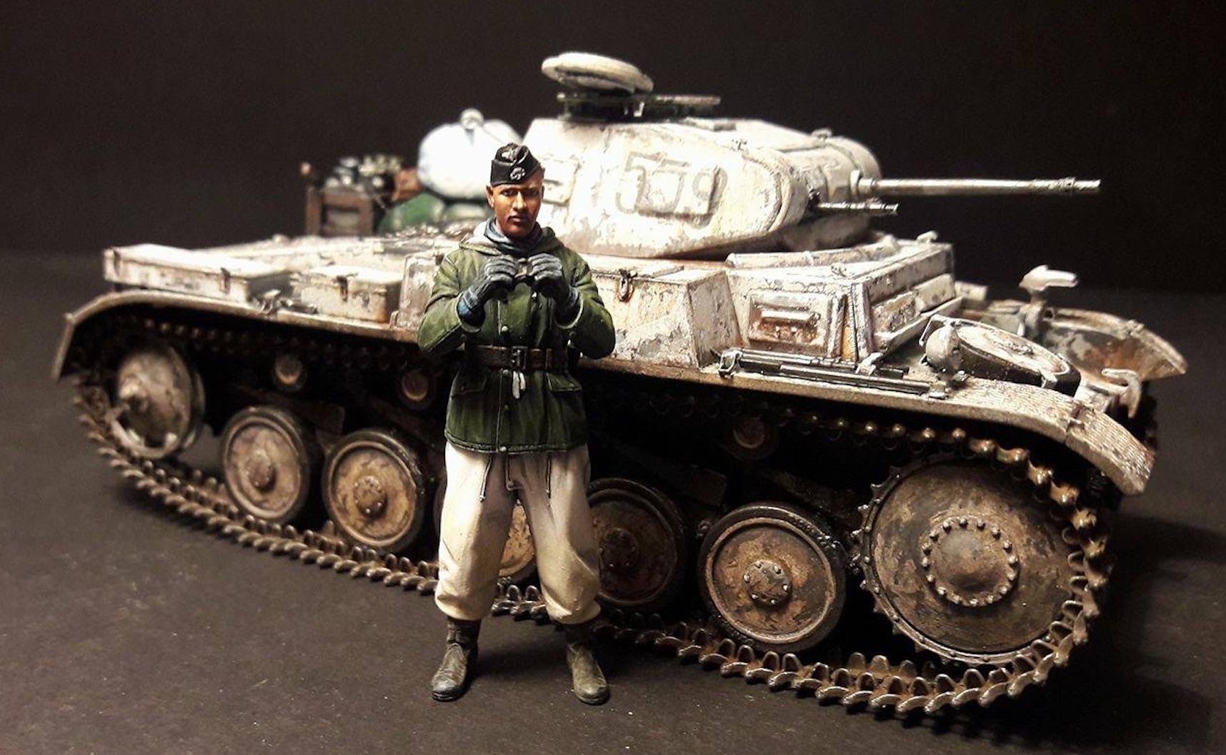Pz.Kpfw.II Ausf.F - Kharkov 1/35 - Page 4 933474PZIIFigSide