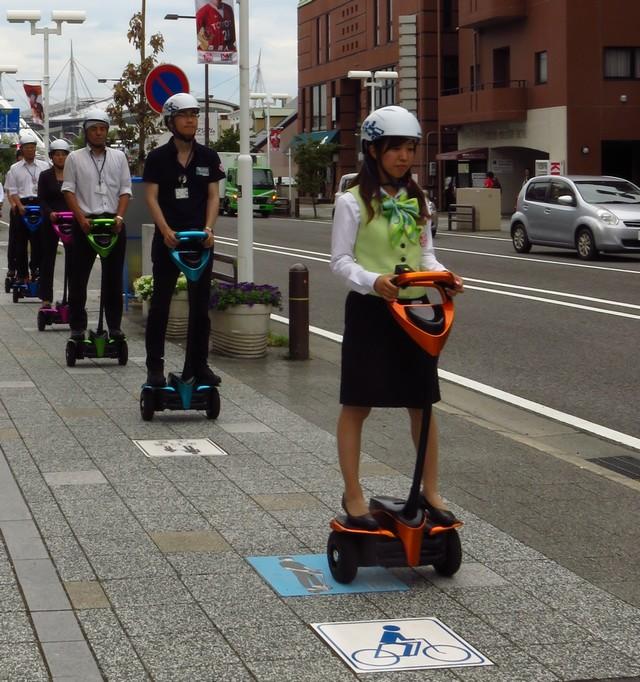 Toyota débute une expérimentation publique de son robot personnel de mobilité à Tokyo 933765201603240101