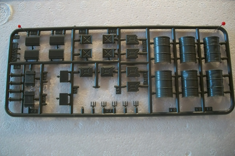 Equipement de Combat (Réf.131) Accessoires Divers 1/35 939968Heller131EDCAccessoiresDivers006