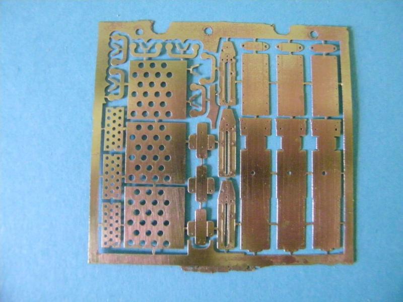 LCM-3 au 1/15e sur plan - Page 4 9427401003437