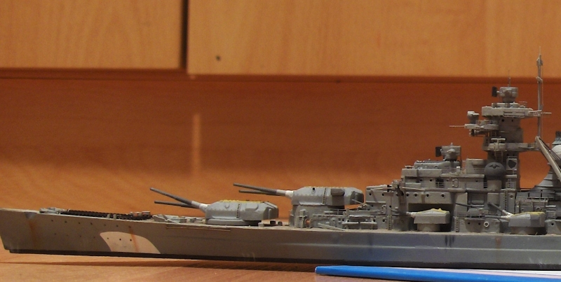 Bismarck 1/700 [Trumpeter] - Page 6 943551HPIM2227