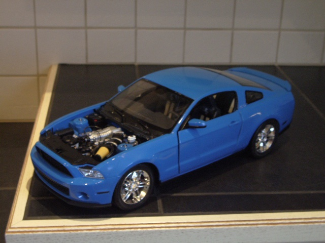 Ford Mustang SHELBY GT 500  2010 de chez revell au 1/12 - Page 2 945431m169