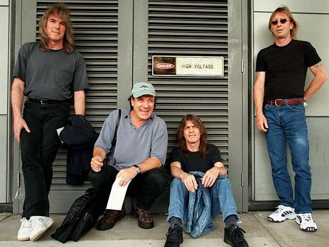 AC/DC - Rock or Bust  (28 novembre) - Page 7 94691429848593790300451a11e49a65621dde564580