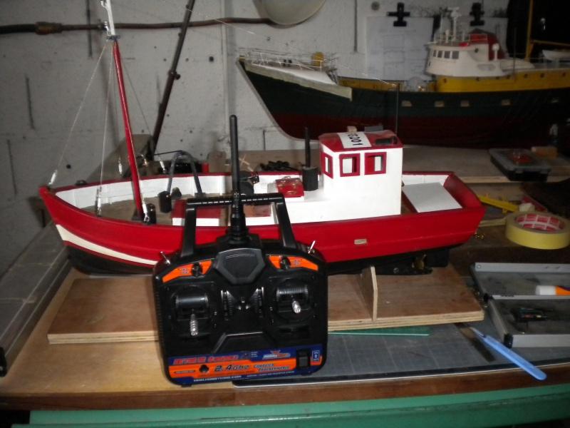 barque chalutiére au 1/20è d'après plans - Page 13 960358DSCN3144