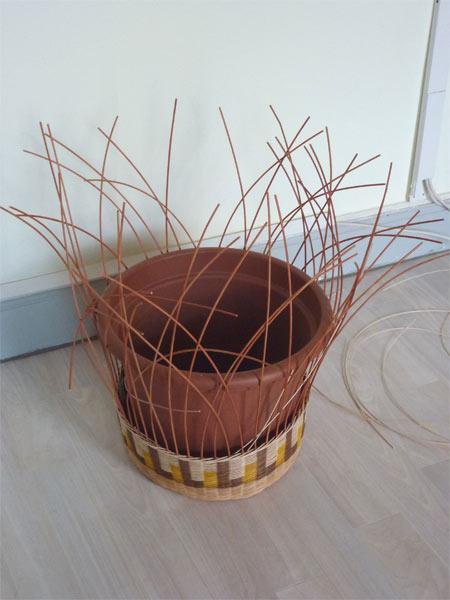 Cache-pot en rotin. 963634P1070761w