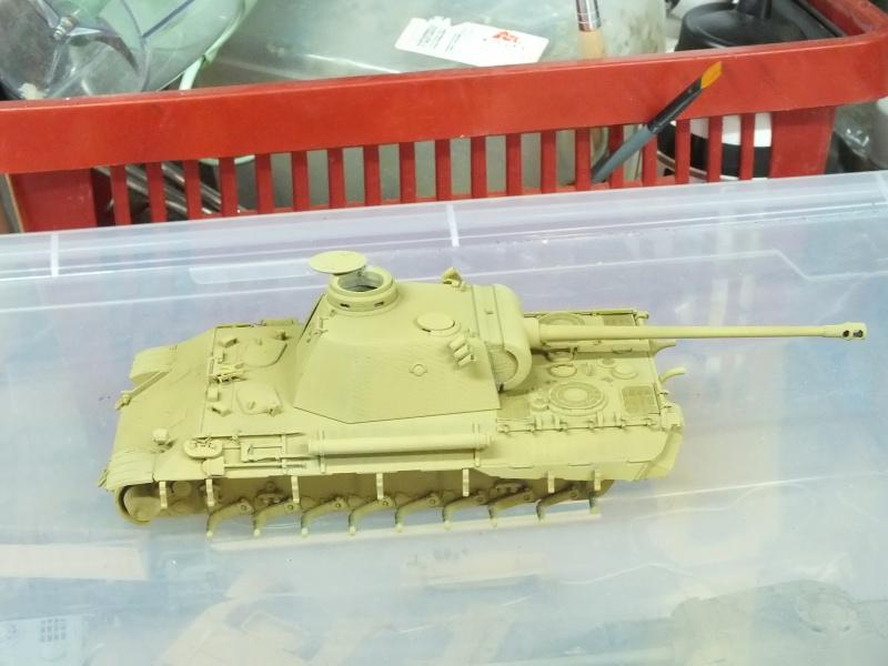 Panther Ausf D Dragon 1/35 avec Zimmerit réf. 6428 (FIN  DE PATINE , finitions lors de la  mise en place sur Dio) - Page 2 963740DSCF6321