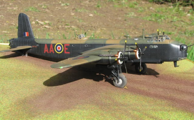 Short Stirling MkIII BF-513 Italeri 1/72, 2ème !!!!!....Terminé!!! - Page 4 963924IMG7144