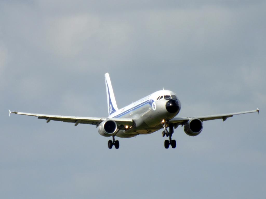 [F-GFKJ] A320 RetroJet Air France - Page 4 965433Aoutn3017